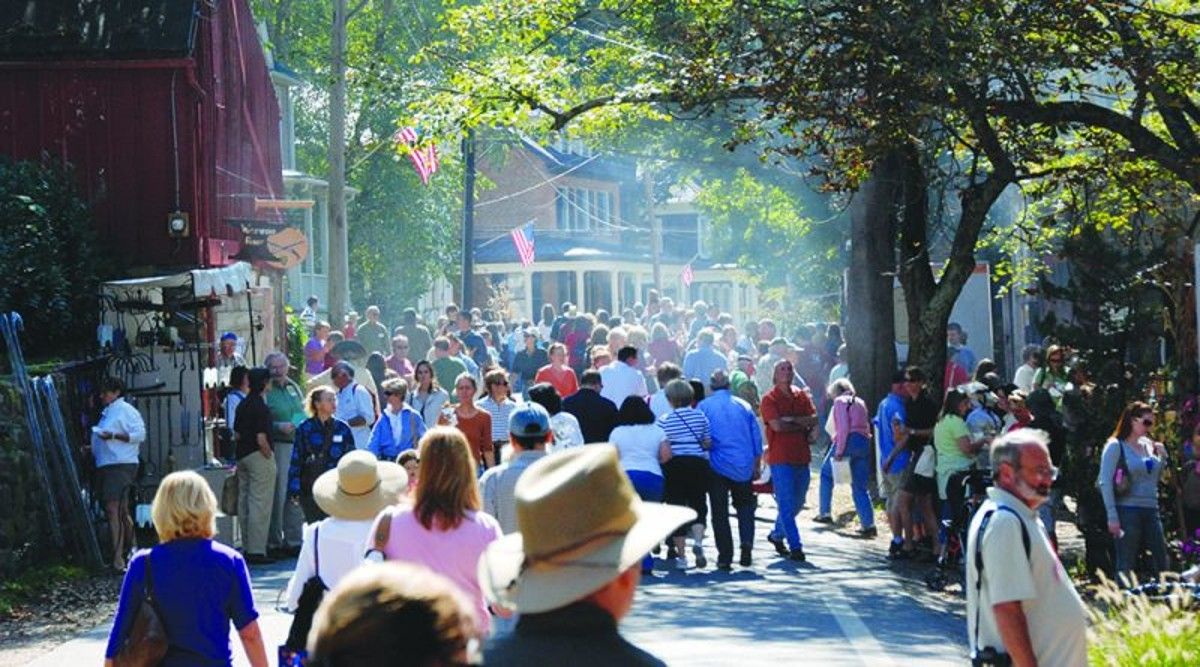 Every October thousands of visitors attend the Waterford Fair
