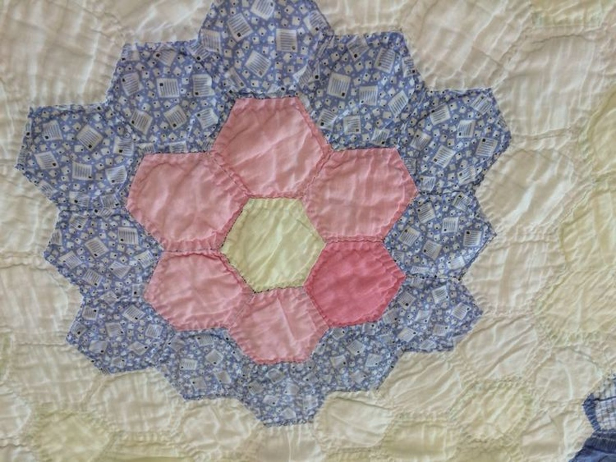 Vintage Grandmother's Flower Garden quilt square